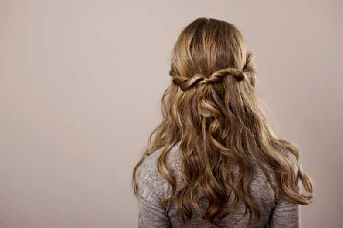 keep your long hair tangle free naturally