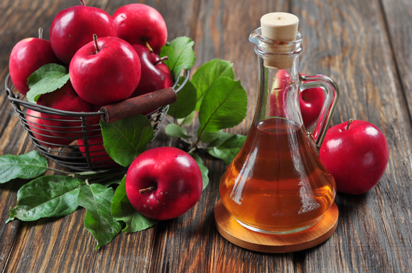 Ten grandmother's tricks with cider vinegar