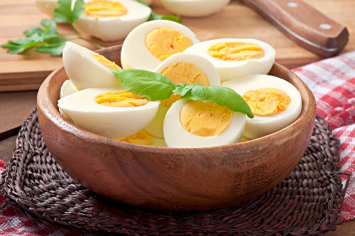 how do you prevent boiled eggs from cracking
