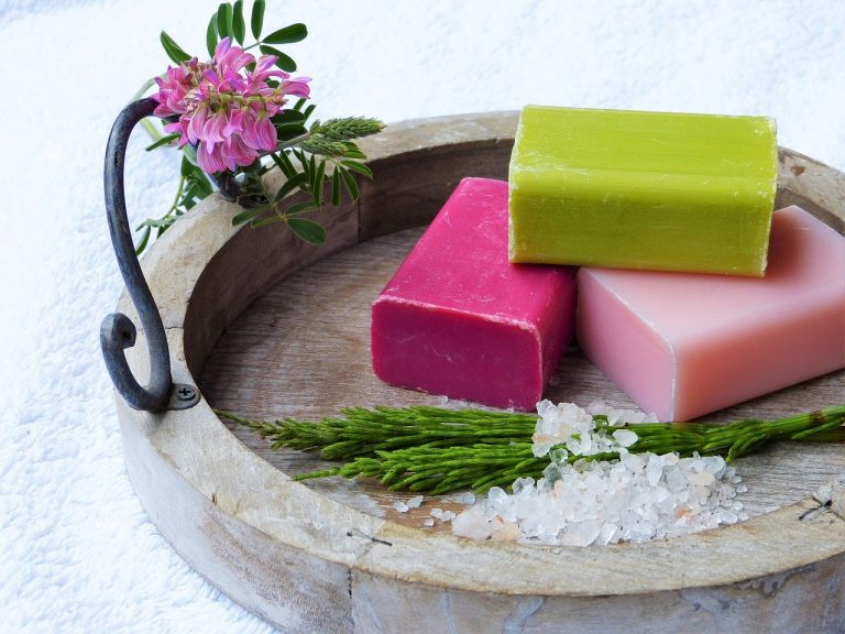How to add natural fragrance to oils for Cold Process soap making