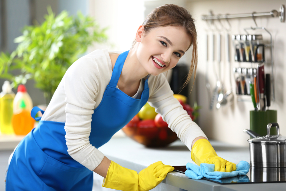 Naturally Cleaning Your Kitchen Fast