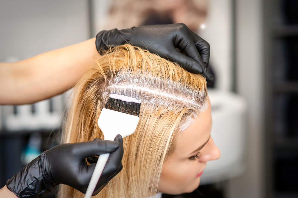 3 effective tips for yellowing gray hair